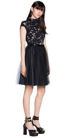 Discover the latest women's dresses from the new Cue collection. Shop our range of black dresses, evening dresses, floral dresses, casual dresses and… Lace Dresses, Tulle Dress, Short Dresses, Dresses For Work, Formal Dresses, Work Wear, Evening Dresses, Contrast, My Style