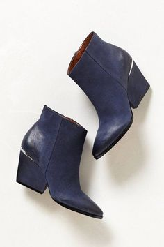 // Isoke Booties by Boutique 9 //