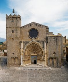 Basílica de Castelló d'Empúries, a l'Alt Empordà (Catalonia)