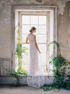 Cheyenne Lace wedding back detail campaign image full