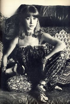 Helen Mirren photographed by Snowdon for Vogue, March I am not the author of these images. Check out Helen Mirren in the looking gorgeous right here British Actresses, Actors & Actresses, Uk Actors, British Actors, Young And Beautiful, Beautiful People, Pretty People, Divas, Dame Helen