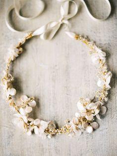 Delicate bridal halo by Emici Bridal