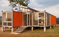 Bygg ditt hus av containers - ekovänligt och billigt. Modernt och snyggt boende av fraktcontainrar. Kan det vars såhär vi ordnar boende för människor  i storstadsnärhet. Kan det vara en billig miljövänlig lösning?