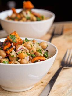 A simple and healthy filling vegan lunch or dinner- sweet potato and chickpea salad recipe with red onions, parsley and tangy lemon dressing. {Gluten-free}