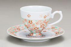 九谷焼 コーヒー碗皿 梅/大兼政花翠 Coffee Cups, Tea Cups, Tableware, Coffee Mugs, Dinnerware, Tablewares, Coffee Cup, Dishes, Place Settings