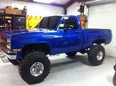 "1983 Chevy c/k 1500 4x4 short box 8""lift V8 454 awesomeness"