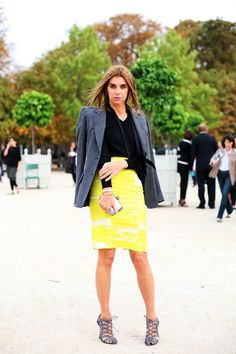 2007: Carine Roitfeld Before people started peacocking to get noticed at the shows, photographers focused on women with intrinsically noteworthy taste. Among the favorites was then French Vogue Editor in Chief Carine Roitfeld, whose pencil skirts, wide belts, and slinky black blazers still resonate today.