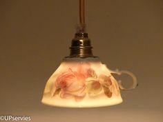 Moederdagtip: hanglamp van vintage porseleinen theekopje met rozen (merk Winterling) door upservies op Etsy