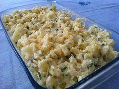 A Maionese de Batata com Ovos é deliciosa, prática e combina com pratos de do dia-a-dia e também com churrascos. Faça e confira! Veja Também:Maionese de F