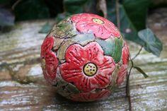 Pflanzen- & Gartenstecker - Keramik Rosenkugel Blüten, Beetstecker - Unikat - ein Designerstück von Sandlilien bei DaWanda