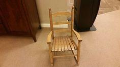 Ich kaufe den Stuhl. Der Stuhl kostet $319,98
