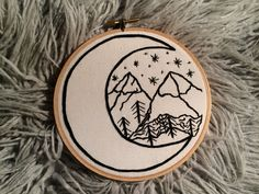 Crewel Embroidery Seed Stitch Gradient Leaves - Embroidery Patterns Mountains and Moon Embroidery Hoop Art by Jessi Hard // Crewel Embroidery Kits, Learn Embroidery, Embroidery Needles, Hand Embroidery Patterns, Cross Stitch Embroidery, Embroidery Hoops, Hungarian Embroidery, Etsy Embroidery, Embroidery Tattoo