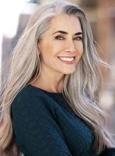 The Geode hair coloring is beautiful hair trends. There are so many hair trends and the hair color ideas. More color means more beauty. Long Gray Hair, Silver Grey Hair, White Hair, Grey Hair Inspiration, Beautiful Old Woman, Beautiful Ladies, Ageless Beauty, Aging Gracefully, Great Hair