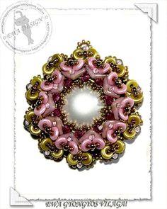 Tessa beaded pendant PDF pattern by EwaHotBeads on Etsy Bead Embroidery Jewelry, Beaded Embroidery, Beaded Jewelry, Beaded Bead, Jewellery, Jewelry Making Tutorials, Beading Tutorials, Beading Patterns, O Beads