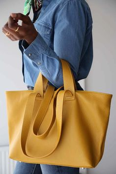 sac-cabas-cuir-jaune (5) Bucket Bag, Bags, Fashion, Yellow Leather, Italian Leather, Handbags, Moda, Fashion Styles, Fashion Illustrations