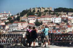 miradouros de lisboa com esplanada - Pesquisa Google - Jardim, Miradouro e Esplanada de São Pedro de Alcântara, em Lisboa,