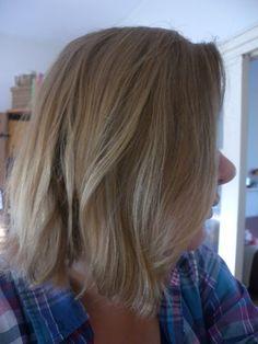Het was afgelopen maandag precies een maand geleden dat ik aankondigde geen shampoo meer te zullen gebruiken. Ik had al geruime tijd last van verschillende hoofdhuidklachten en wijdde dit aan het gebruik van (natuurlijke) shampoo. Opdoeken dus! De grote vraag bleef alleen of ik zonder shampoo mijn haartjes nog wel goed schoon zou krijgen. Zeker …