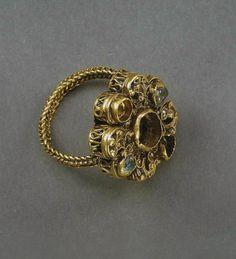 ing, gold Burs, Gotland, Sweden 1250-1350