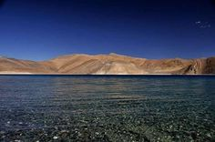 The #natural scenic views of Pangong Lake make it seem like a painted #landscape.