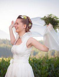 Dirndl von Wimmer Tracht @trachtenbibel folgen und Trends entdecken! Girls Dresses, Flower Girl Dresses, Trends, Wedding Dresses, Fashion, Flower Girl Gown, Getting Married, Dress Wedding, Gowns