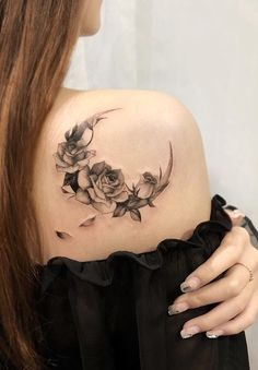 Feed your ink addiction with 50 of the most beautiful rose tattoo designs for men . - Feed your ink addiction with 50 of the most beautiful rose tattoo designs for men and women – fan - Dope Tattoos, Pretty Tattoos, Body Art Tattoos, Small Tattoos, Amazing Tattoos, Tribal Tattoos, Sleeve Tattoos, Tattoos For Women On Thigh, Shoulder Tattoos For Women
