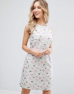 Sugarhill Boutique – Jacquard-Kleid mit Kirschenmuster (77,99 €)