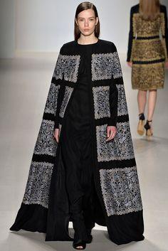 Tadashi Shoji Fall 2015 Ready-to-Wear Collection Photos - Vogue Japan Fashion, Runway Fashion, High Fashion, Fashion Show, Fashion Looks, Womens Fashion, Female Fashion, Tadashi Shoji, Lanvin