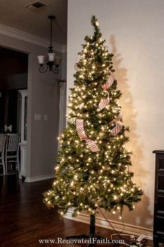 The EASY WAY to Place Ribbon to a Christmas Tree – This STEP-BY-STEP tutorial with video shows you how to add cascading ribbon on Christmas trees. Waterfall ribbon Christmas trees allow you to add any combinations of ribbon & mesh colors to customize your tree with satin or even flannel. Ideas & DIY instructions on how to make ribbon garland for Christmas trees for any Christmas décor style including farmhouse, elegant or traditional holiday décor. #Christmastree #putribbonontree