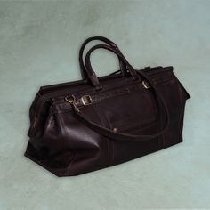 Overnight bag with shoulder strap – Curate Gifts -  #amazing #soft #leather #incredible #stylish #design #travel #musthave