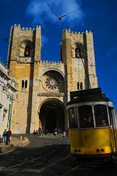 Cattedrale di Lisbona http://blog.zingarate.com/mondovagando/lisbona-introduzione/