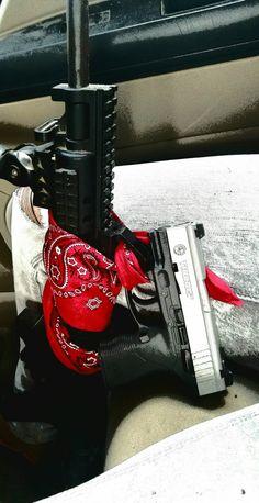 Anuel Aa Wallpaper, Blood Wallpaper, Tupac Wallpaper, Wallpaper Iphone Cute, Aesthetic Iphone Wallpaper, Red Bandana Shoes, Gun Aesthetic, Tribal Butterfly Tattoo, Tupac Art