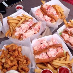 Where to find the best lobster rolls in New England Best Lobster Roll, Lobster Bake, Lobster Rolls, Kimball Farm, Beach Snacks, Boothbay Harbor, Seafood Restaurant