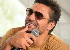 More Manu Bennett Manu Bennett, Weak In The Knees, Young Old, Picture Albums, Deathstroke, Spartacus, Celebs, Celebrities, Beautiful Family