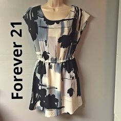 F21 Dress Dress in great condition. Length from elastic to bottom is 16.5 inches. Made of 100% polyester Forever 21 Dresses Midi