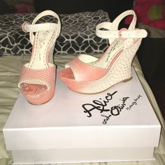 Alice & Olivia Jana coral / natural  wedges 38.5 Normal wear . Very beautiful Alice + Olivia Shoes Wedges