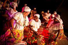 Com muito maracatu, o festejo é parte das comemorações de 10 anos do Seu Estrelo e o Fuá do Terreiro