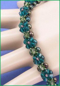 05-411 del grano de cristal de Druk Iris verde con un verde