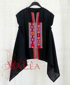 Batik Fashion, Ethnic Fashion, Womens Fashion, Blouse Batik, Batik Dress, Model Kebaya, Batik Kebaya, African Blouses, Fashion Design Template