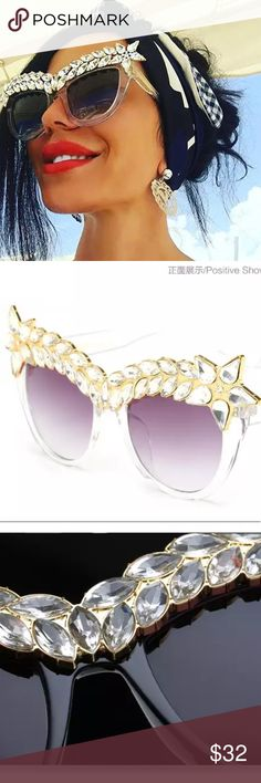 771d20ddf5 Clear Embellished Sunglasses Oversized Crystal Decoration Women Sunglasses  Cat Eye Queen Style Vintage Luxury. Fashion