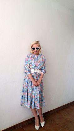 Vintage 1970s midi pleated dress /flower pastel pattern by MadeInRetroShop on Etsy