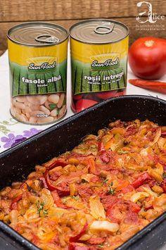 Mancare de fasole alba si legume la cuptor Meat, Chicken, Recipes, Food, Essen, Meals, Ripped Recipes, Yemek, Eten