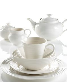 This Sophie Conran dinnerware for our every day dishes--this is what Cooper and I registered for :)
