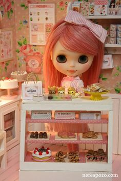 Nerea Pozo's awesome cute creation!  Pasteleria + custom Blythe by Keera, via Flickr