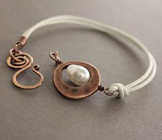 White leather and copper bracelet with pearl