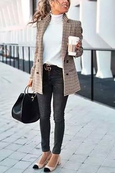 Chic Khaki Suit Blazer - Outfits for Work - Casual Outfits Best Business Casual Outfits, Trajes Business Casual, Casual Work Outfits, Mode Outfits, Work Casual, Classy Outfits, Stylish Outfits, Winter Work Outfits, Preppy Work Outfit