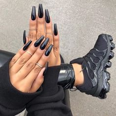 Best Coffin Long Nails With Metallic Black Polish - Black Acrylic Nails Long Black Nails, Black Acrylic Nails, Black Coffin Nails, Best Acrylic Nails, Long Nails, Black Acrylics, Nail Black, Metallic Nails, Neutral Nails