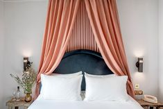 in love with this headboard and full-height baldaquin