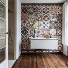A guest bathroom in this home in Berlin, is totally transformed by these traditional earthy-hued tiles. The owner had been collecting them for many years and said the look she wanted was that of a kil Home Interior Design, House Interior, Elle Decor, Bathroom Interior Design, Bathroom Decor, Interior, Bathroom Design Small, Home Decor, Small Bathroom Decor