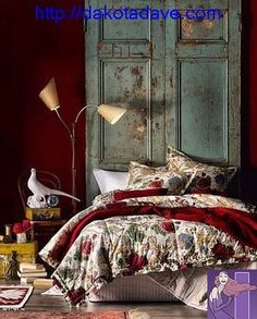LIA Leuk Interieur Advies/Lovely Interior Advice: Red and blue Bohemian Bedroom Diy, Bohemian Style Bedding, Bohemian Interior, Bohemian Decoration, Colorful Bedding, Bedroom Red, Master Bedroom, Deco Boheme, Rustic Room