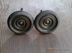 2 pomos de bronce, 4 cm, 19 €